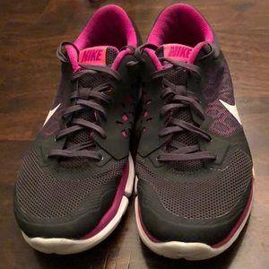 Nike Flex Run sneakers! Women's size 9.5!